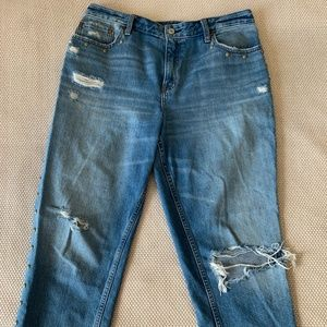 Abercrombie & Fitch Studs Ripped Jean